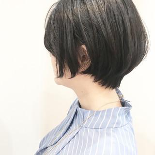 ナチュラル 前下がりショート ショートヘア 小顔ショート ヘアスタイルや髪型の写真・画像 ヘアスタイルや髪型の写真・画像