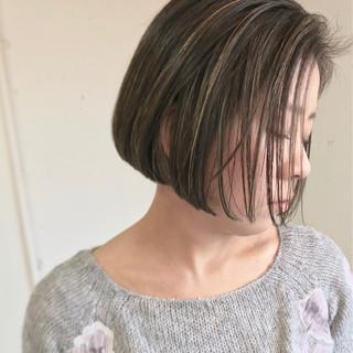 切りっぱなし ゆるふわ グラデーションカラー 外国人風 ヘアスタイルや髪型の写真・画像