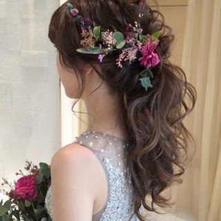 結婚式髪型 ゆるナチュラル ヘアアレンジ フェミニン ヘアスタイルや髪型の写真・画像
