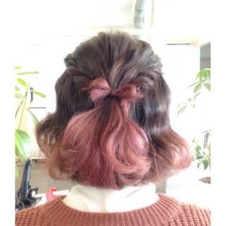 いつもの髪色にプラスして♡赤のグラデーションで奏でるイマドキヘア