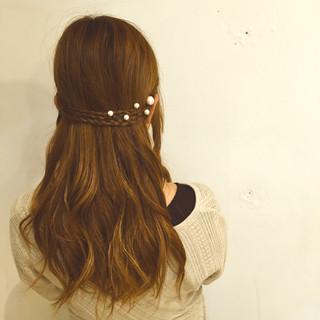 ハーフアップ 抜け感 簡単ヘアアレンジ 編み込み ヘアスタイルや髪型の写真・画像