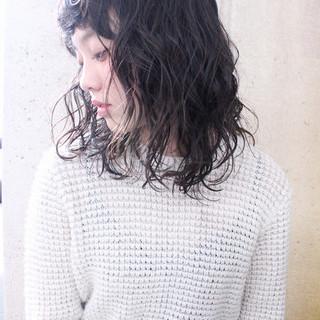 ミディアム ゆるふわ パーマ 外国人風 ヘアスタイルや髪型の写真・画像