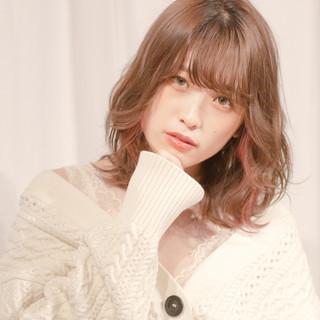 ミルクティーアッシュ インナーカラー 外国人風カラー ミディアム ヘアスタイルや髪型の写真・画像