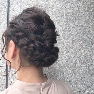 編み込み 結婚式 ヘアアレンジ ナチュラル ヘアスタイルや髪型の写真・画像
