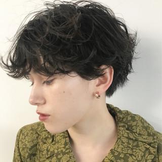 簡単 くせ毛風 外国人風 前髪パーマ ヘアスタイルや髪型の写真・画像