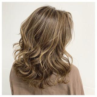 大人ハイライト ハイライト 極細ハイライト ストリート ヘアスタイルや髪型の写真・画像