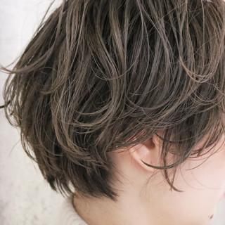 パーマ ハンサムショート アンニュイほつれヘア ショート ヘアスタイルや髪型の写真・画像