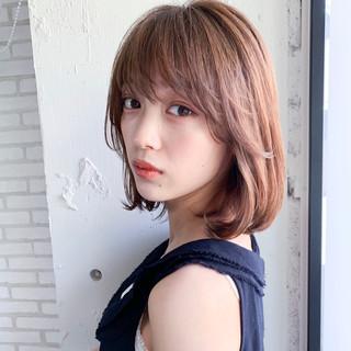 シースルーバング ミディアム デジタルパーマ 前髪なし ヘアスタイルや髪型の写真・画像