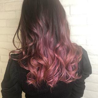 ピンク ガーリー ロング バレイヤージュ ヘアスタイルや髪型の写真・画像