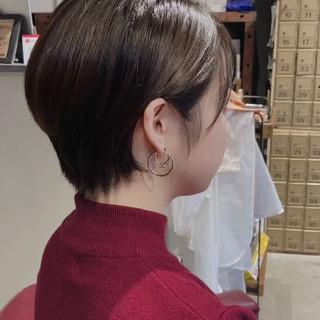 前下がりショート ショートヘア 愛され ナチュラル ヘアスタイルや髪型の写真・画像