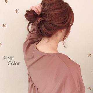 ゆるナチュラル ダブルカラー ピンク セミロング ヘアスタイルや髪型の写真・画像