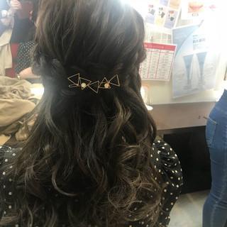 フェミニン セミロング ヘアアレンジ パーティ ヘアスタイルや髪型の写真・画像