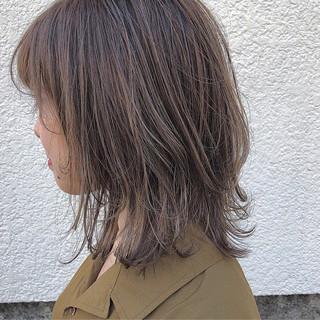 ハイライト アウトドア レイヤーカット 色気 ヘアスタイルや髪型の写真・画像