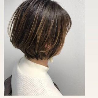 ハイライト ショートボブ ナチュラル 大人かわいい ヘアスタイルや髪型の写真・画像