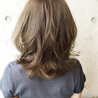 パーマ 大人かわいい アッシュ 暗髪 ヘアスタイルや髪型の写真・画像