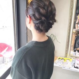 ナチュラル 結婚式 ヘアアレンジ アンニュイほつれヘア ヘアスタイルや髪型の写真・画像 ヘアスタイルや髪型の写真・画像