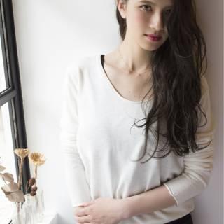 女っぽさを意識!オトナの色気満開の濡れ髪をつくるスタイリング術