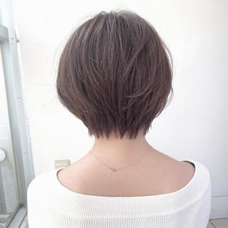 カジュアル アッシュベージュ シースルーバング エアリー ヘアスタイルや髪型の写真・画像