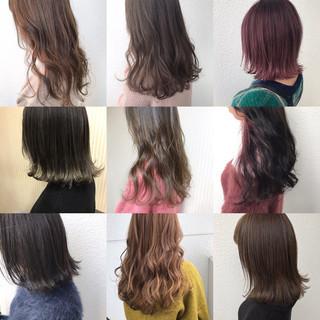 ミルクティーベージュ アッシュベージュ ミディアム ブラウンベージュ ヘアスタイルや髪型の写真・画像