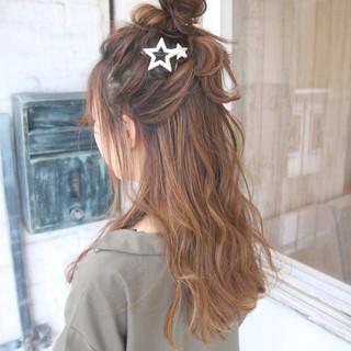 ヘアアレンジ ハーフアップ ロング ナチュラル ヘアスタイルや髪型の写真・画像 ヘアスタイルや髪型の写真・画像