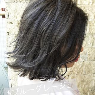 グレー ネイビー 大人女子 色気 ヘアスタイルや髪型の写真・画像