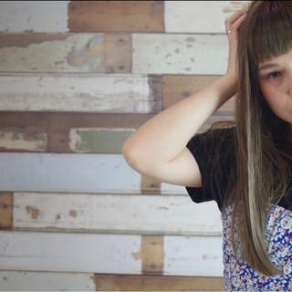ガーリー ストリート ロング オリーブアッシュ ヘアスタイルや髪型の写真・画像 ヘアスタイルや髪型の写真・画像