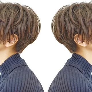 アンニュイほつれヘア ナチュラル パーマ ショート ヘアスタイルや髪型の写真・画像