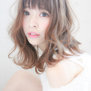 デート 前髪あり フェミニン ゆるふわ ヘアスタイルや髪型の写真・画像