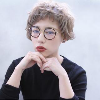 外国人風 ショート ブラウン 前髪あり ヘアスタイルや髪型の写真・画像 ヘアスタイルや髪型の写真・画像