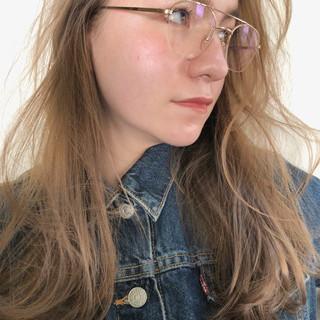 ゆるふわ アンニュイほつれヘア セミロング アウトドア ヘアスタイルや髪型の写真・画像