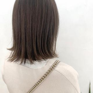 ナチュラル グレージュ オリーブグレージュ ミルクティーグレージュ ヘアスタイルや髪型の写真・画像