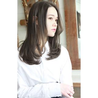 パーマ アンニュイほつれヘア ナチュラル セミロング ヘアスタイルや髪型の写真・画像