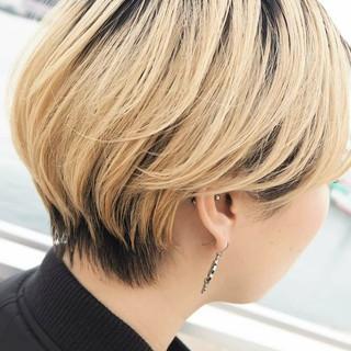 小顔ショート 秋冬スタイル ハンサムショート ナチュラル ヘアスタイルや髪型の写真・画像