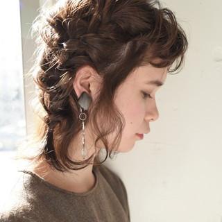 編み込み 簡単ヘアアレンジ ボブ ナチュラル ヘアスタイルや髪型の写真・画像