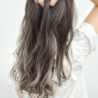 リラックス セミロング 斜め前髪 外国人風 ヘアスタイルや髪型の写真・画像