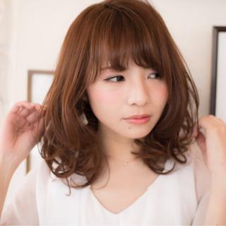 フェミニン ミディアム ラフ 大人かわいい ヘアスタイルや髪型の写真・画像