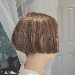 モード ボブ インナーカラー ハイライト ヘアスタイルや髪型の写真・画像 ヘアスタイルや髪型の写真・画像