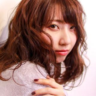 フェミニン ニット 秋 冬 ヘアスタイルや髪型の写真・画像