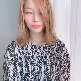 外ハネ ガーリー デート ミディアム ヘアスタイルや髪型の写真・画像