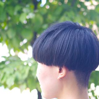 マッシュ ショート 刈り上げ女子 黒髪ショート ヘアスタイルや髪型の写真・画像