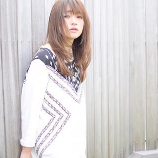 外国人風 ロング 大人かわいい レイヤーカット ヘアスタイルや髪型の写真・画像