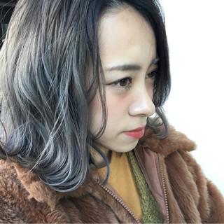 ブリーチ ベージュ ホワイトアッシュ グレージュ ヘアスタイルや髪型の写真・画像