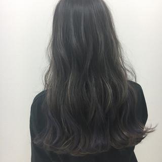 インナーカラー ロング アンニュイ 大人かわいい ヘアスタイルや髪型の写真・画像