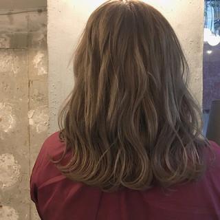 ミディアム デート ハロウィン オフィス ヘアスタイルや髪型の写真・画像