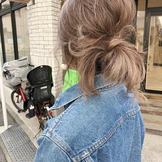 セミロング 簡単ヘアアレンジ ミルクティーベージュ ベージュ ヘアスタイルや髪型の写真・画像