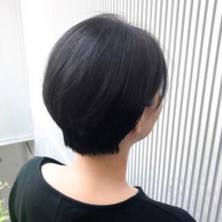 ショート 前髪 グレージュ ストレート ヘアスタイルや髪型の写真・画像