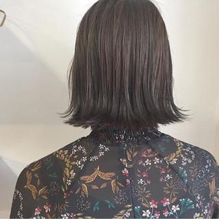 ボブ デート グレージュ 外ハネ ヘアスタイルや髪型の写真・画像