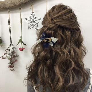 ヘアアレンジ エクステ ナチュラル お呼ばれ ヘアスタイルや髪型の写真・画像