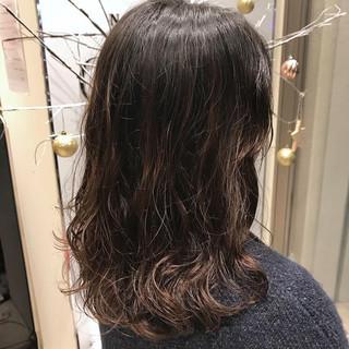 パーマ ミディアム ナチュラル 簡単 ヘアスタイルや髪型の写真・画像