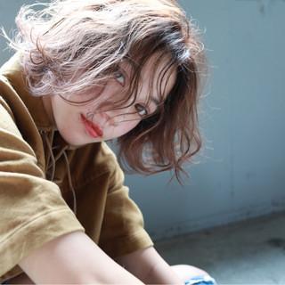 フェミニン ハイライト 透明感 パーマ ヘアスタイルや髪型の写真・画像